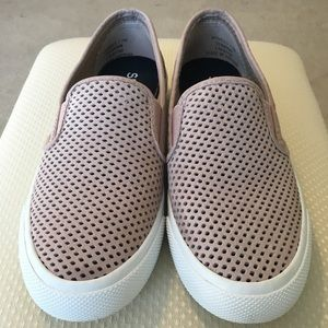 Sperry Seaside Perforated Sneaker (Blush)